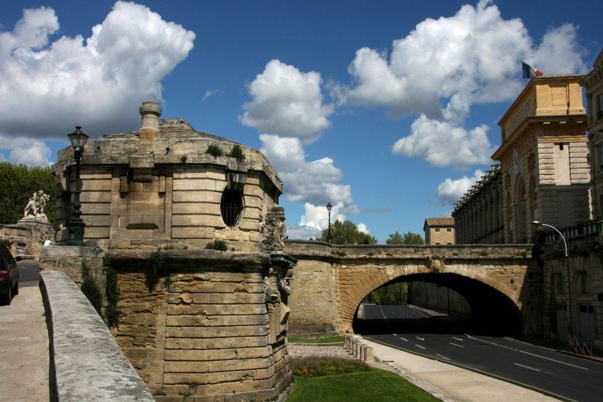 Teile der historischen Stadtmauer von Montpellier