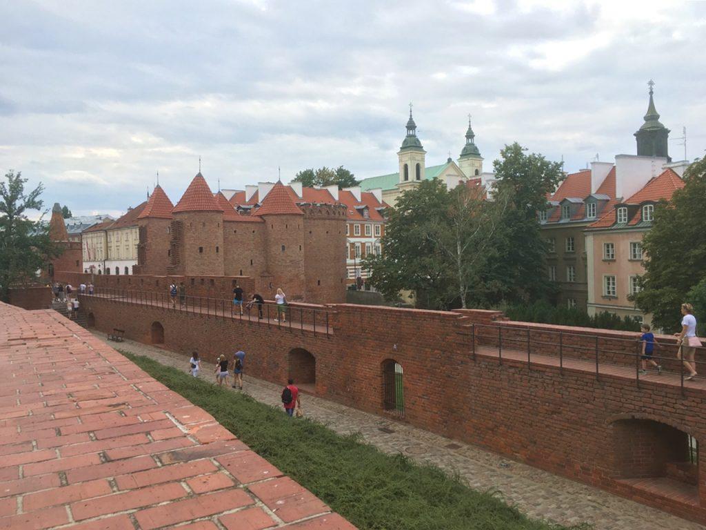 Historische Stadtmauer von Warschau