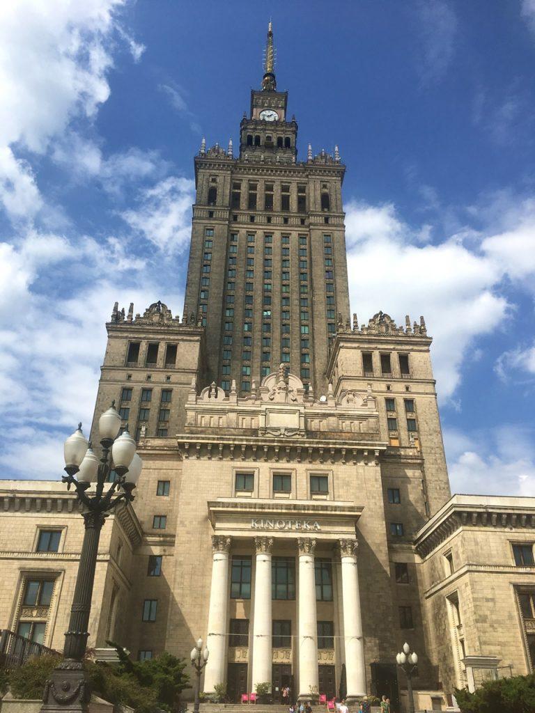 Der Kulturpalast in Warschau gilt als Wahrzeichen der polnischen Haupstadt
