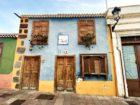 Ein buntes Haus im altkanarischen Stil im palmerischen Los Llanos de Aridane
