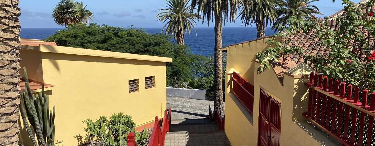 Blick über San Andres y Sauces auf den Atlantik